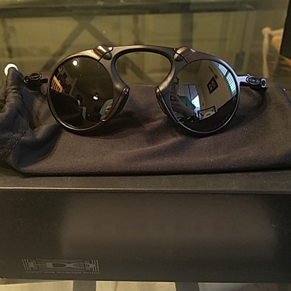 fd7a0dc5d8 Nu oakley madman polarized sunglasses pewter black.  M 5c3e6707951996f18162cd3e